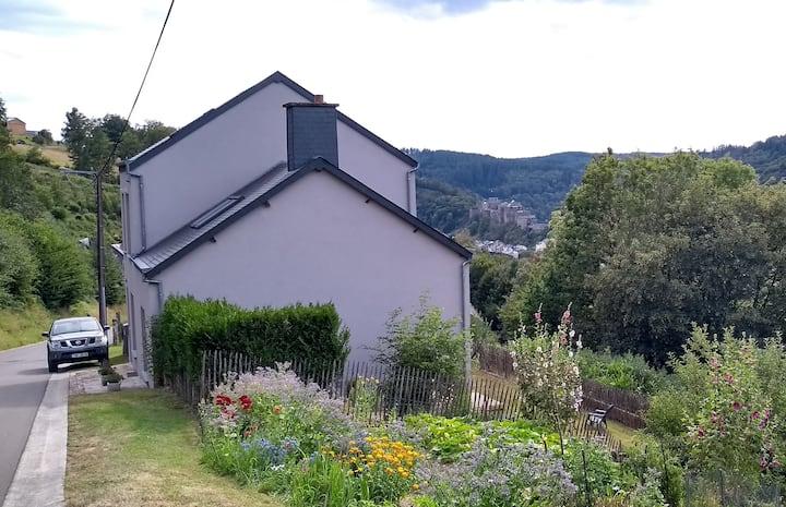 Charmante maison sur les hauteurs de Bouillon