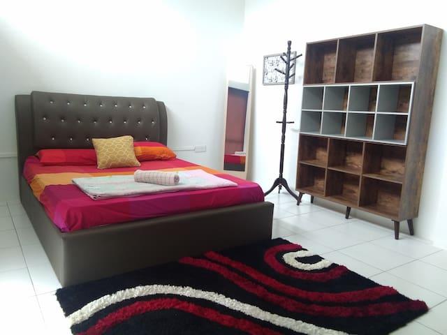 Suite 101, Co.Living Suite