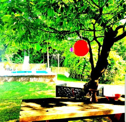 Vintage Waldhäuschen mit Pool Nähe Schneeberg