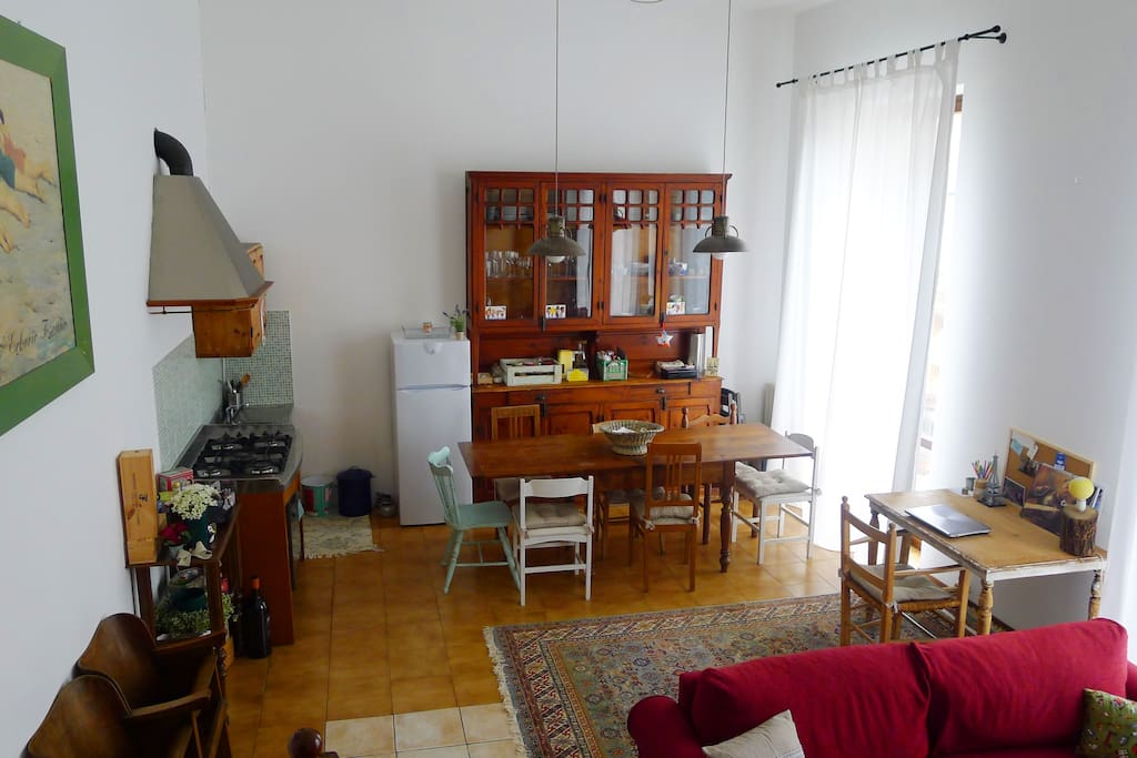Sala (con angolo cucina) - Big living room (with kitchenette)