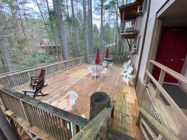 #8 Family Suite-Waterfall Access-By Tallulah Gorge