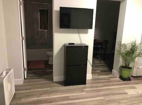 Los Felis Furnished Studio + parking