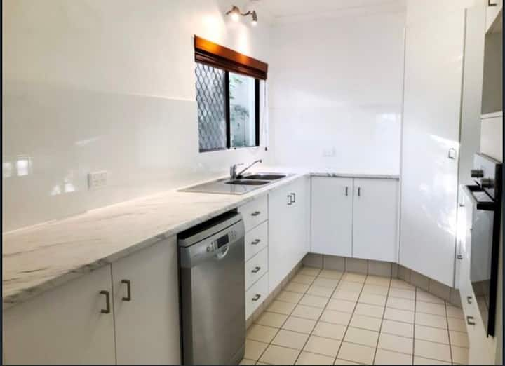 Great private room close to CBD and Gabba