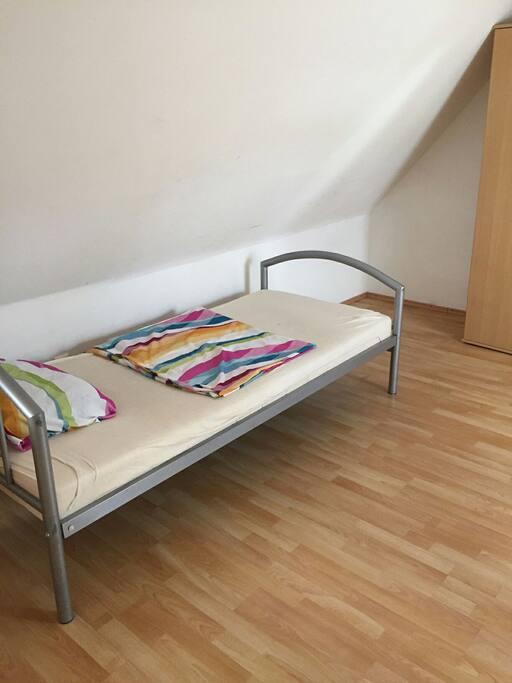 dachgeschosswohnung wohnungen zur miete in villingen schwenningen baden w rttemberg deutschland. Black Bedroom Furniture Sets. Home Design Ideas