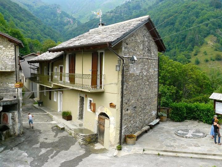 Casa in borgo di montagna con splendida terrazza