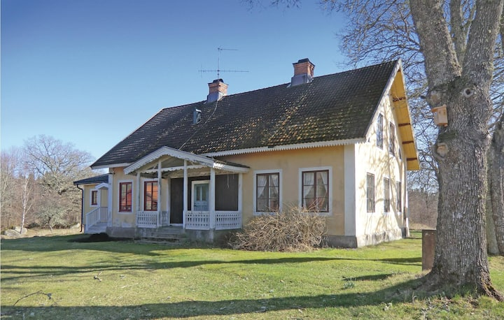 Amazing home in Högsby with Sauna and 2 Bedrooms