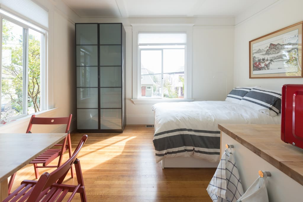 Elegant Lake Merritt Studio Apartments For Rent In