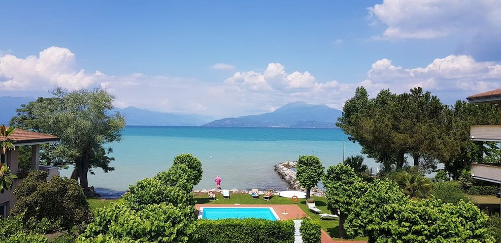 Casa Lugana 1 - Monolocale con piscina fronte lago