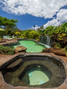 North Shore Beachside with Pool & Jacuzzi - Haleiwa - Haus