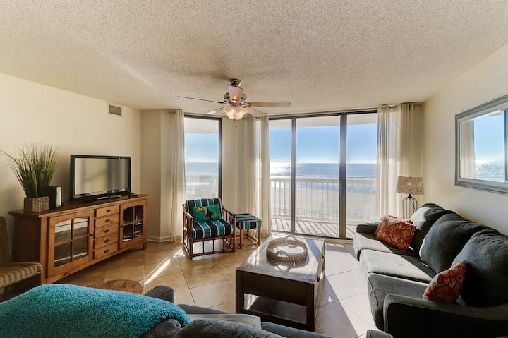 Charleston Oceanfront Villa 114 - By the Sea