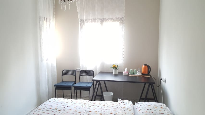 Уютная комната для отдыха, рядом с морем в Нетании