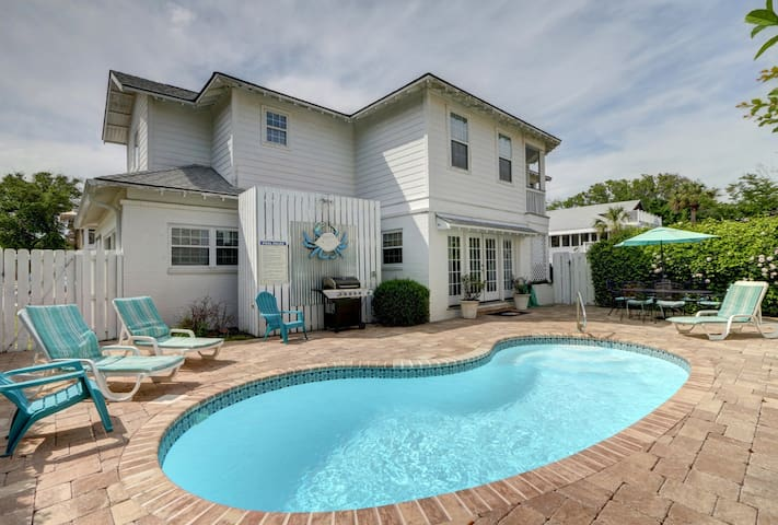 Beautiful family Beachside Tybee Vacation Home with Private Pool and Large Porch