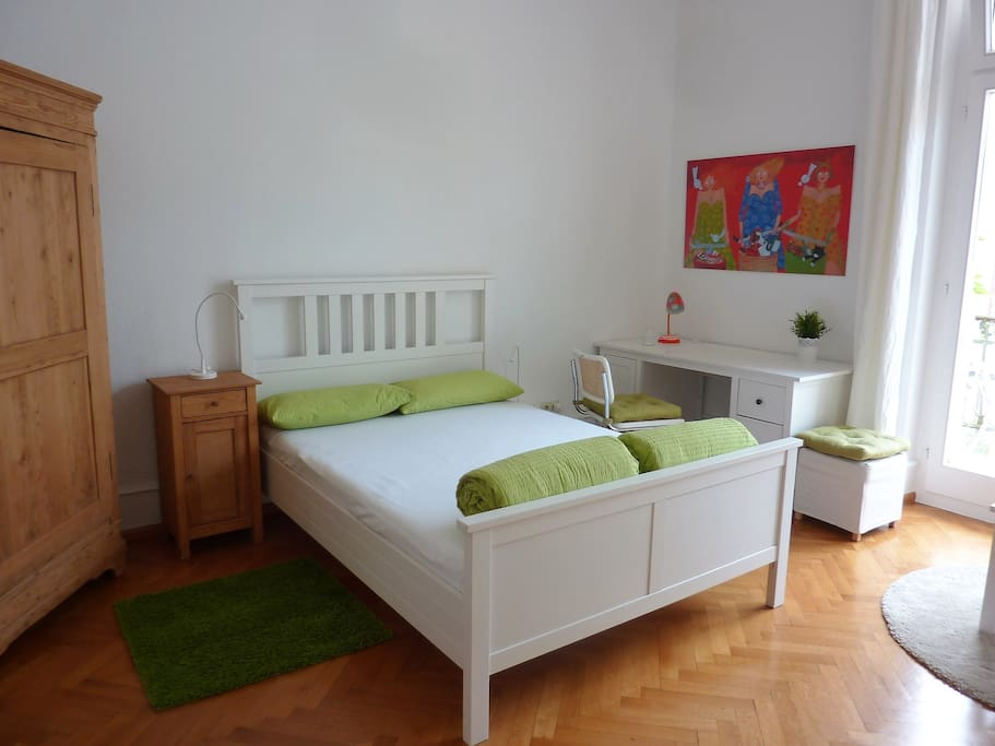 with double bed (140x 200 cm), ...