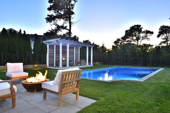 New Home w/ pool and Bocce court close to Surfside
