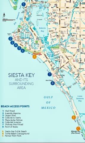 Stroll to Siesta Beach from Serene Condo + 2 bikes
