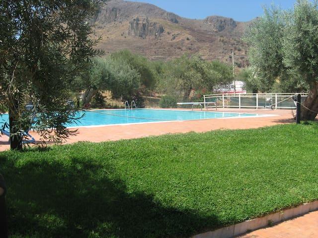 Splendida villetta con piscina e campo da tennis - Termini Imerese - Appartement