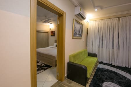 Bays Lodge - BnB - Accra