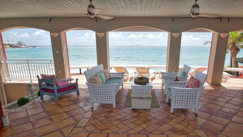 Beachfront Simpson Bay Villa - Beacon Hill - Villa