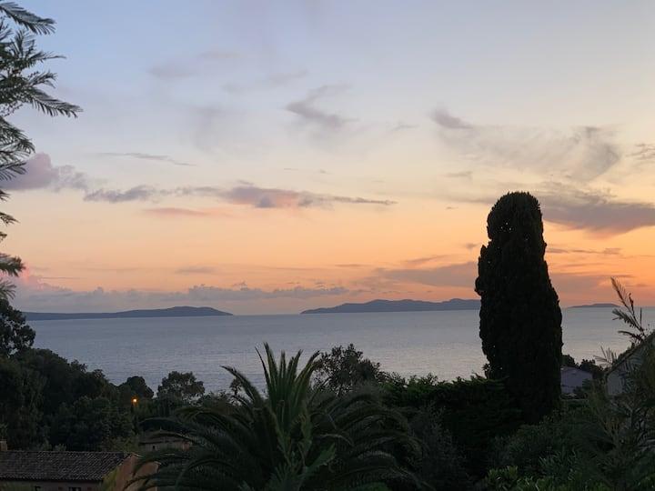 Villa vue mer Rayol