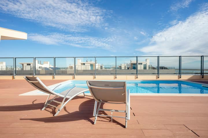 Lux Apartment Seaview Pool, Le Hèron, Algarve