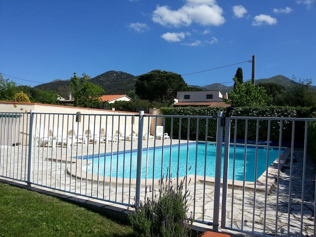 Luxury detached villa with pool - Laroque-des-Albères - Villa