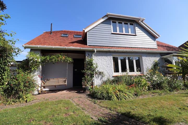 'Millefleurs' Cottage, a charming Cottage Bungalow