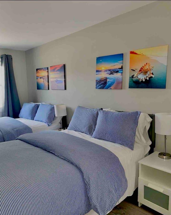 Swedeinn: New motel room #14 downtown Sister Bay
