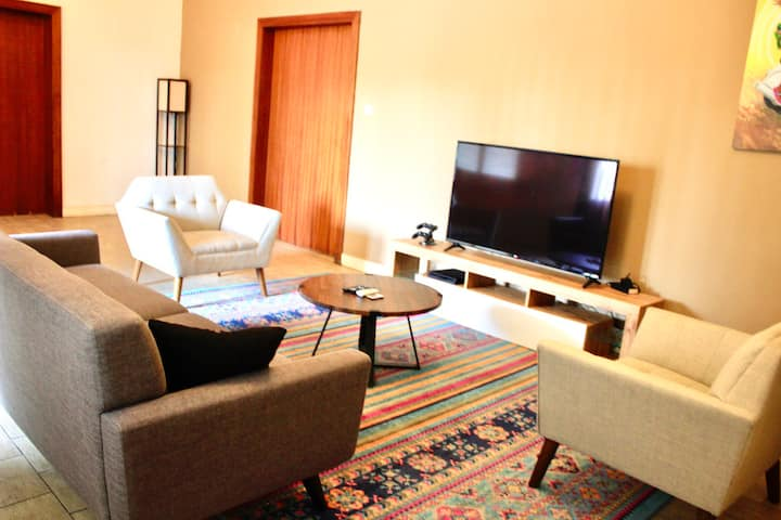 Luxury getaway in Kinshasa (Gwinnett Private Room)