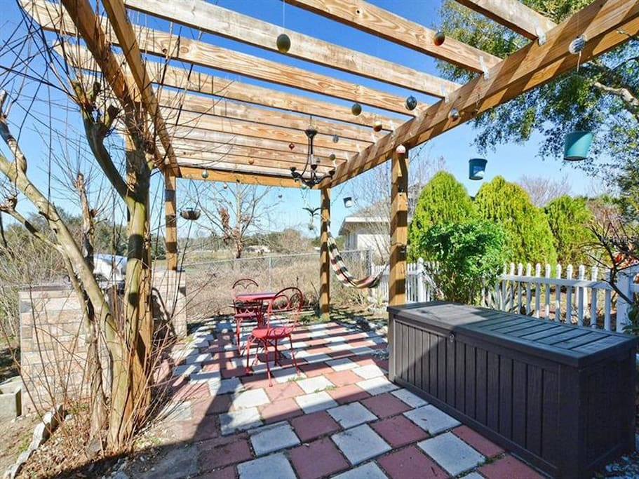 Pergola for relaxing in the sunshine state