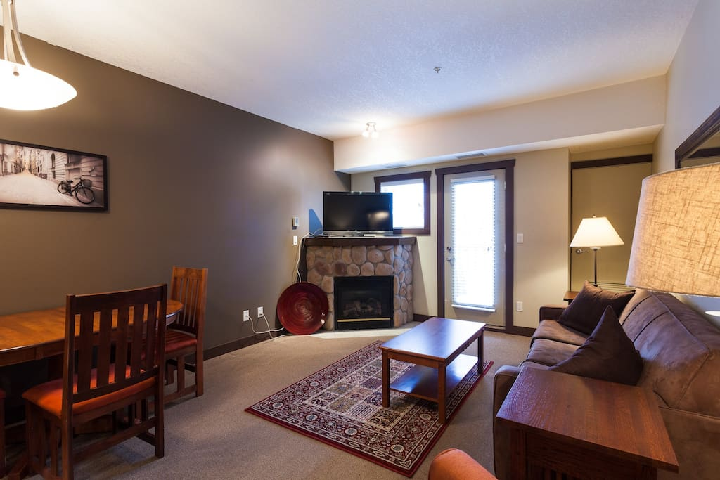 Lounge room with gas fire place