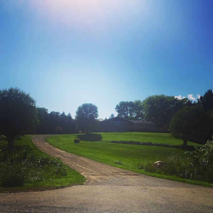 10 acres - 2,100 square foot rental