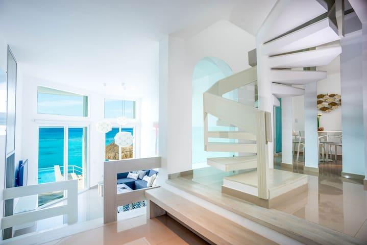 CASA ROJAS,  Ocean Front Home in Cozumel Island