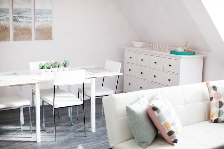 Chic, modern, clean apartment in the city centre