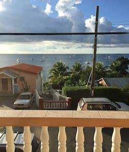 Beautiful Ocean View Apartment - Amazing Location