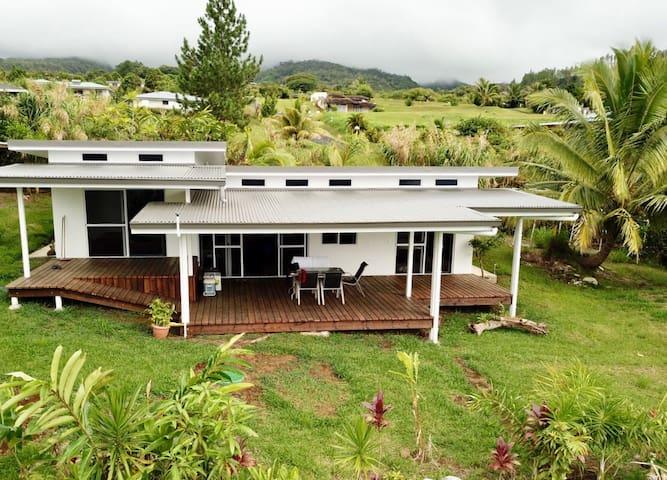 Fare Puunui Tahiti