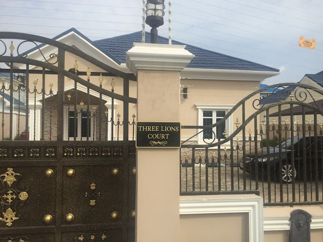 Three Lions Court - Abuja - Bungalow