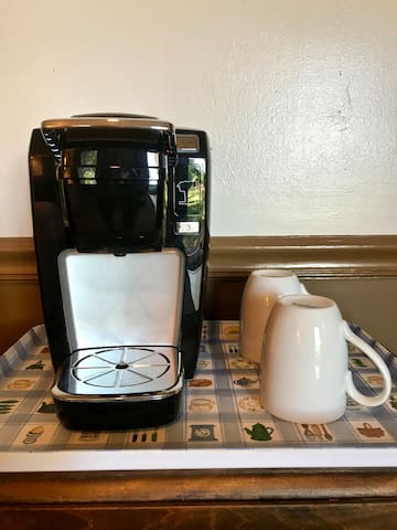 The cottage has a Keurig coffee maker.