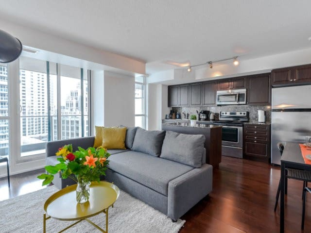 Centrally Located Condo With Lots of Amenities