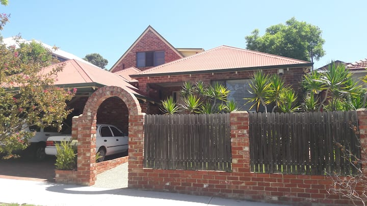 West Leederville Home in the Best Location ...