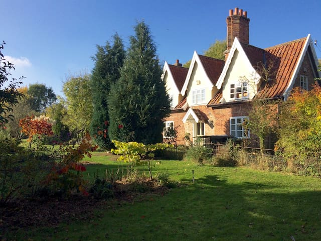Lovely country cottage in the heart of Suffolk
