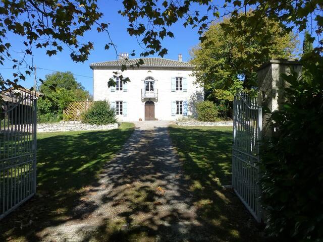 Le Presbytere, Saint Gervais 82190 Touffailles