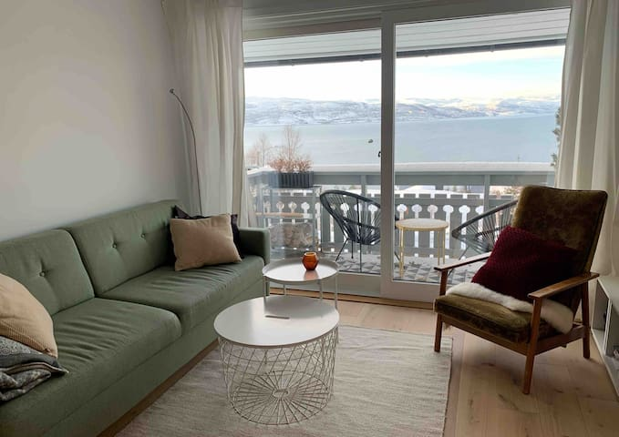 Flat with ocean view, close to city center