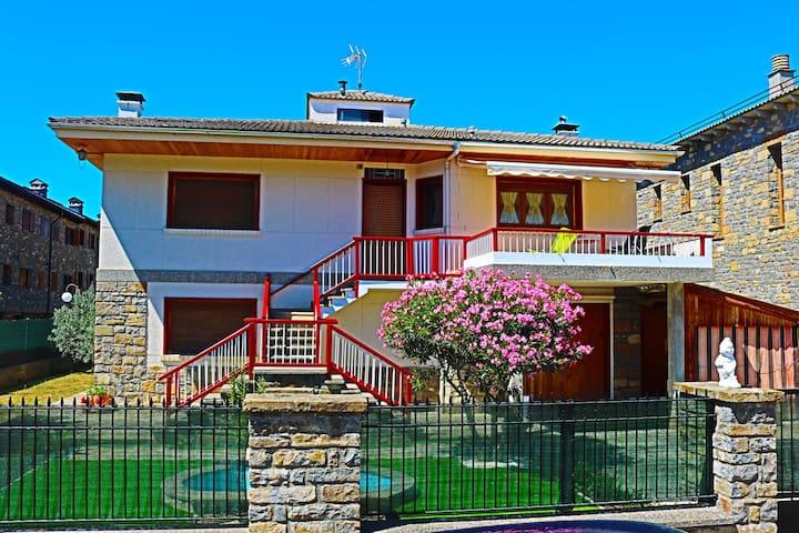 L'ârome de Ainsa - Huesca - Huis