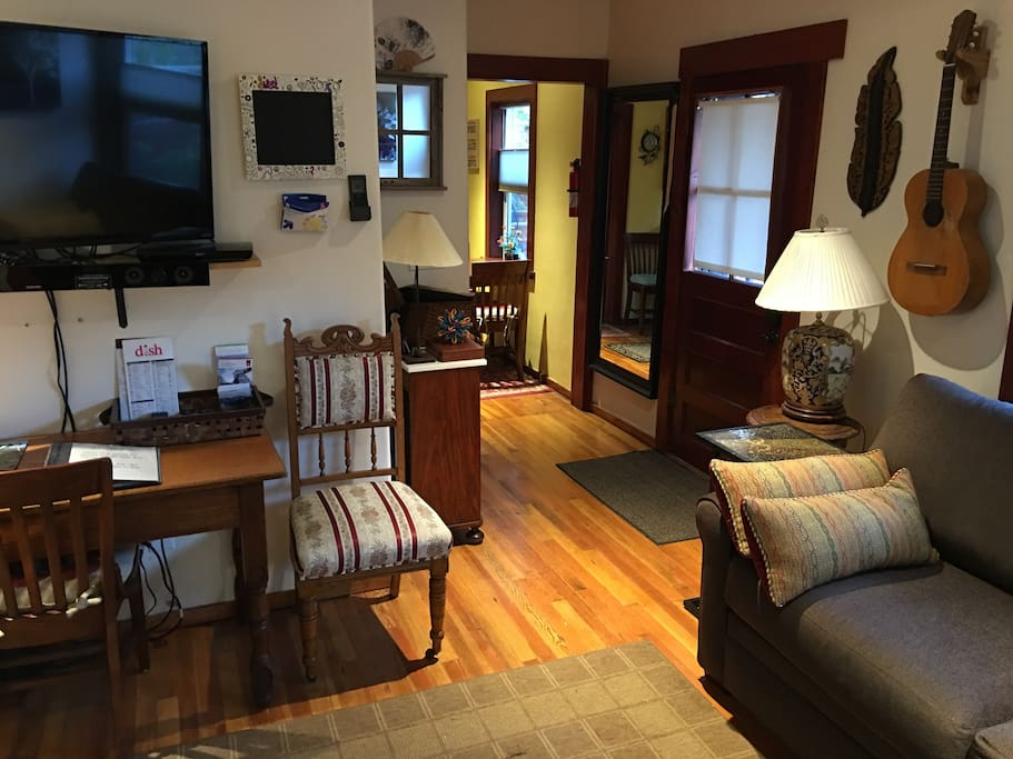 great place! SLEEPS 4 adults!