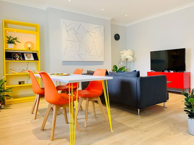 Modern Victorian Flat 1 Minutes From Tube
