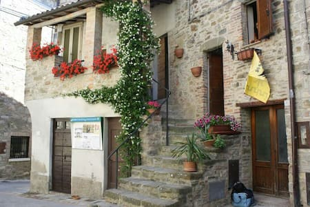 Casa Angela - Doglio - บ้าน