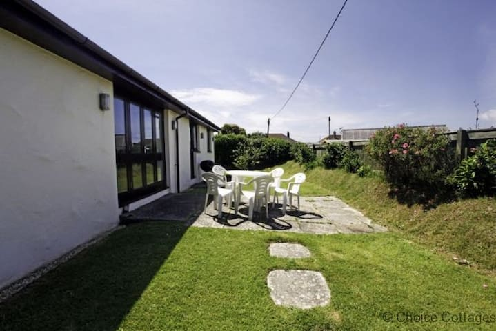 CROYDE PEACH COTTAGE   3 Bedrooms