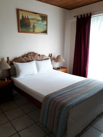 Great apartments with high speed Internet near UNA