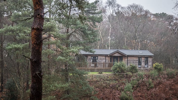 Spacious, luxury, secluded lodge with valley views