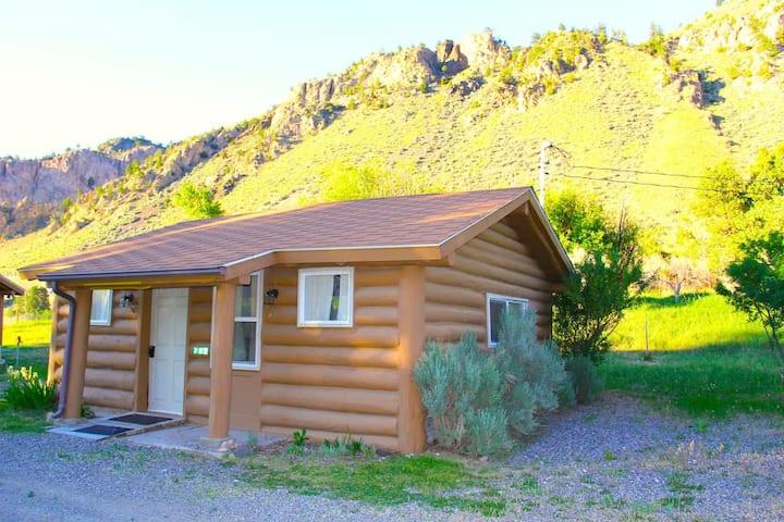 Yellowstone Hot Spring Cabin #3